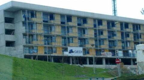 56 Apartamentos jóvenes Araoz